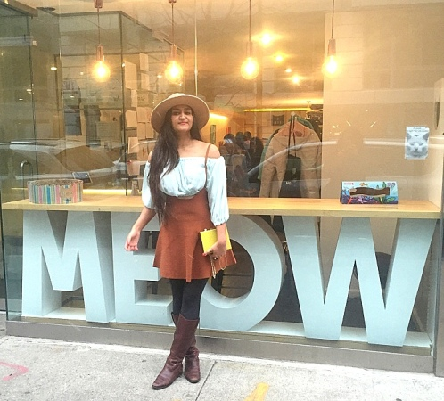 How to Wear an Overall Dungree Pinafore dress 2