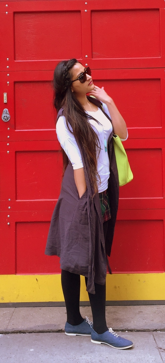 Sleeveless Vest Casual Outfit 3