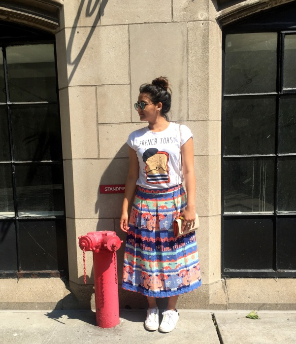 What to Wear With a Printed Skirt 2