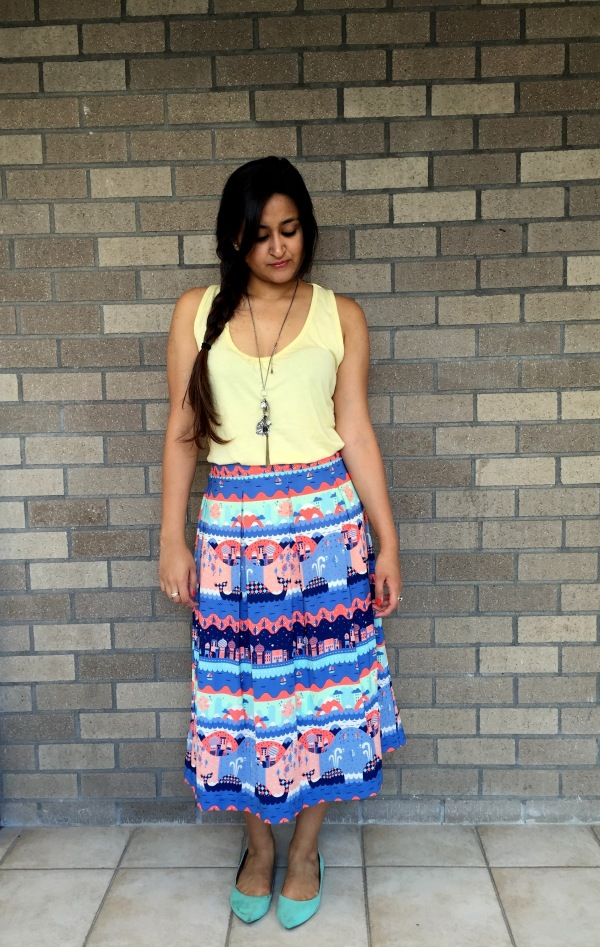 What to Wear With a Printed Skirt 3
