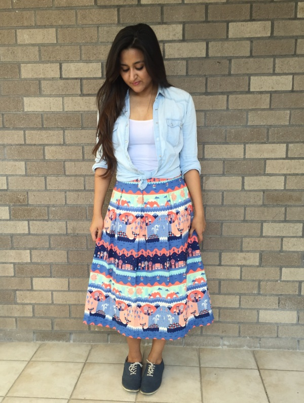 What to Wear With a Printed Skirt 4