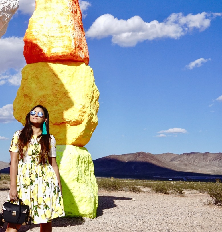 Lemon Print Outfit Trend 7