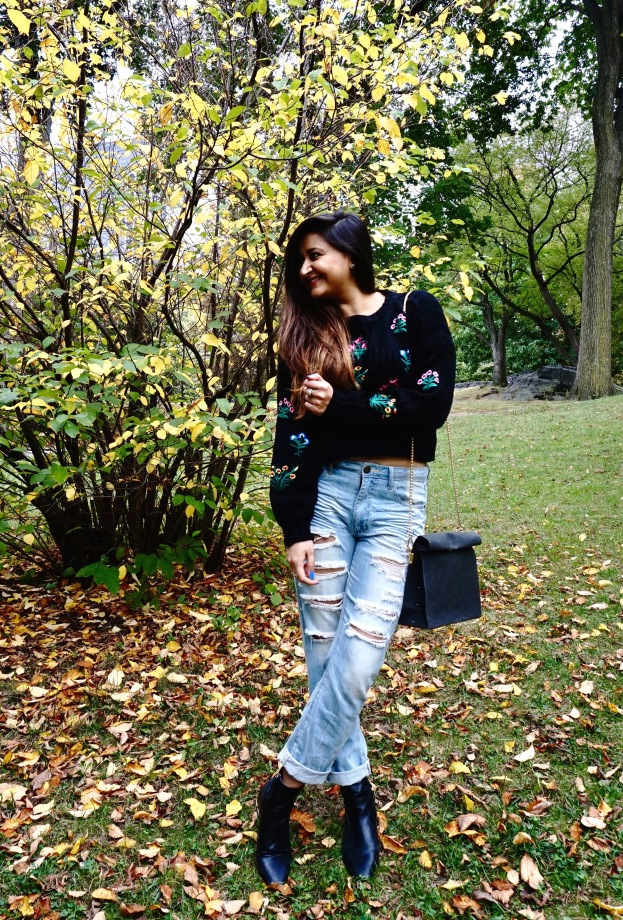 How to wear a Cropped Sweater Fall Outfit 1