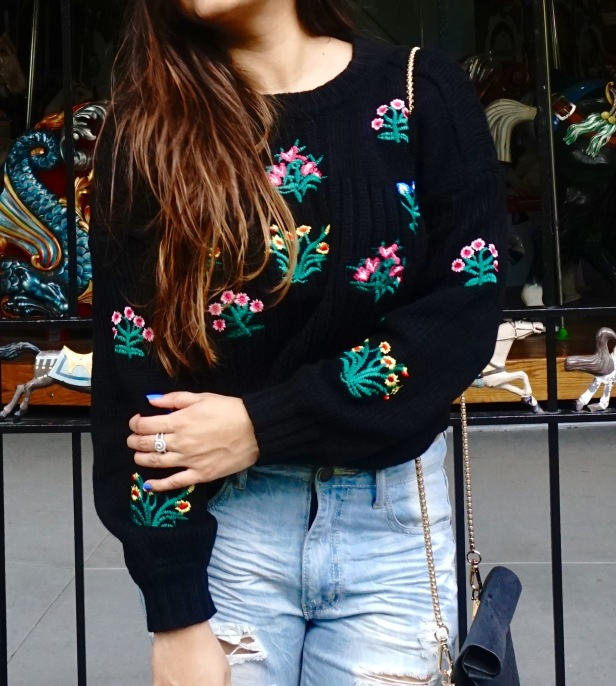 How to wear a Cropped Sweater Fall Outfit 4