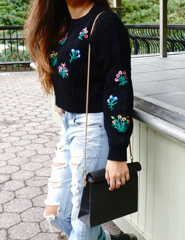 How to wear a Cropped Sweater Fall Outfit 9