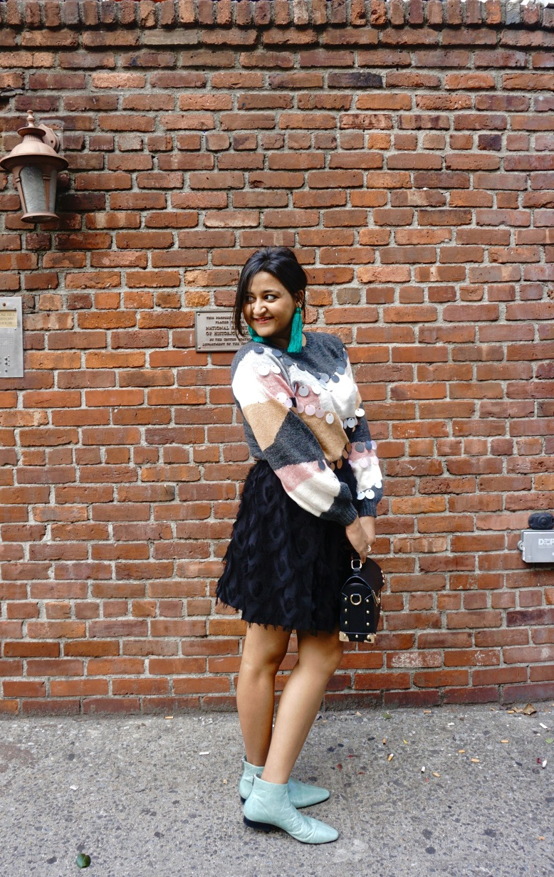 How to Wear a Fall Sweater Outfit 8