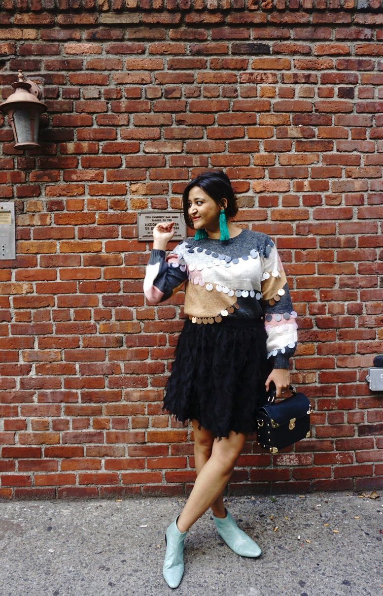 How to Wear a Fall Sweater Outfit 9
