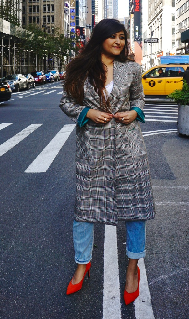 How to Wear a Long Oversized Blazer Coat 3