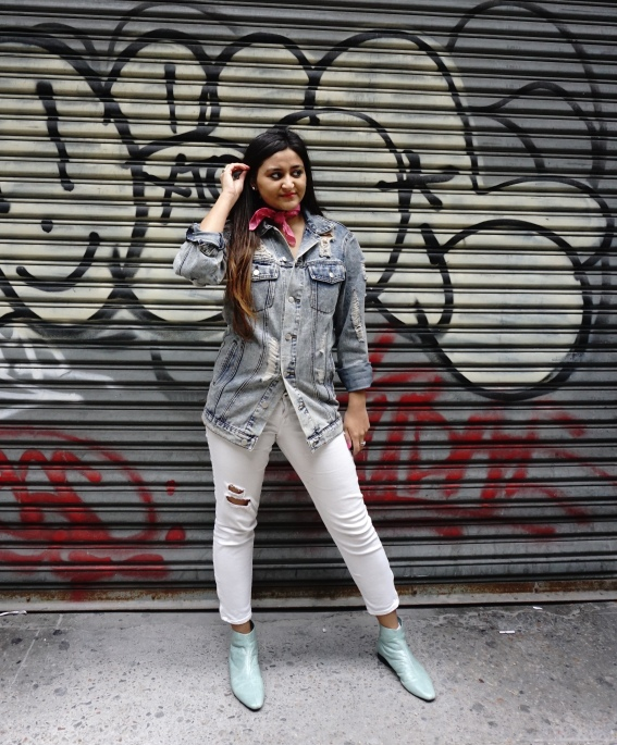 How to Wear The Denim Jacket Trend 13