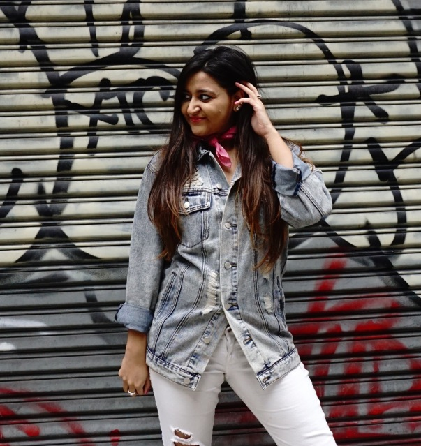 How to Wear The Denim Jacket Trend 7