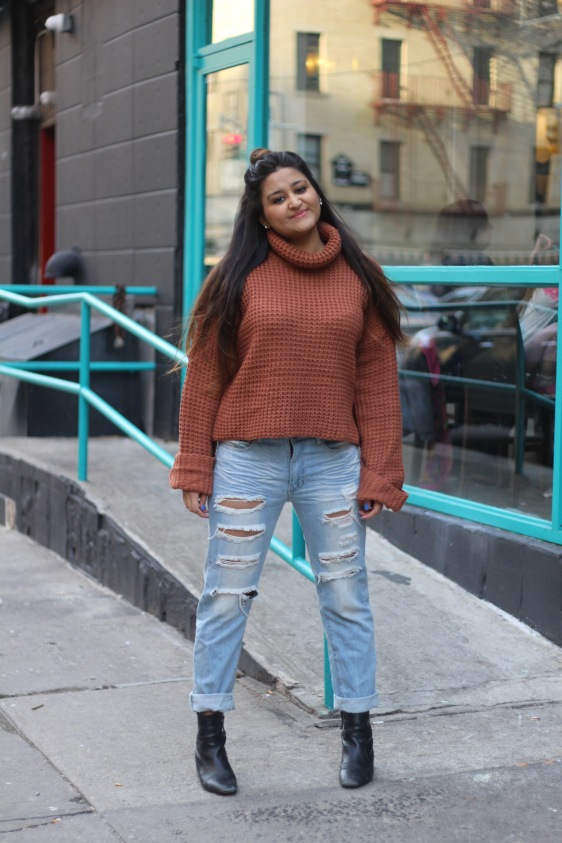 Winter outfit Boyfriend Jeans and Oversized Sweater 2