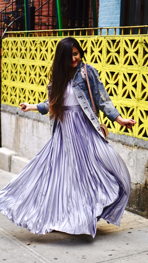 How to Wear a Pleated Metallic Skirt – Palettepop