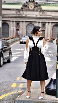 How to wear Pinafore or Overall trend 1