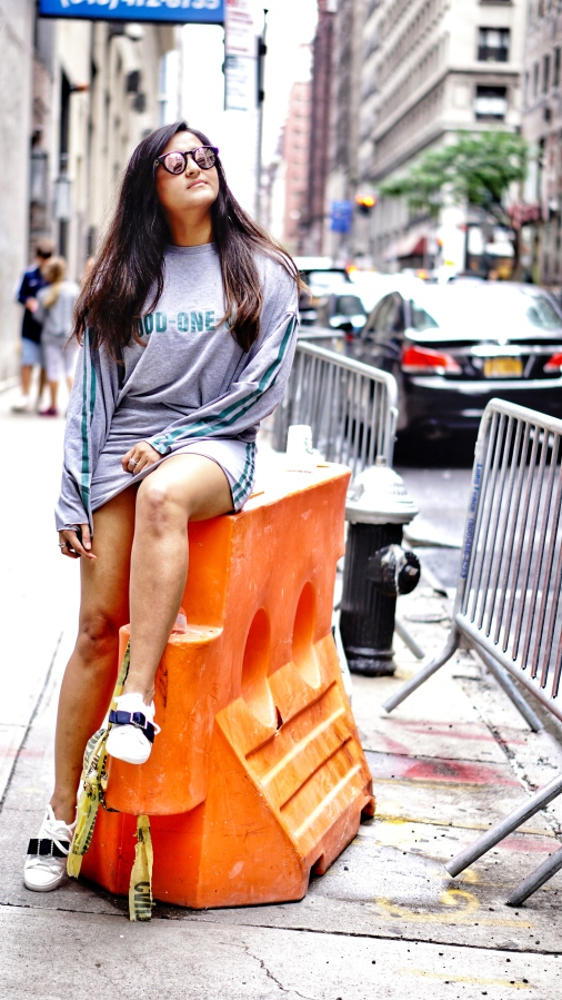 How to Wear Athleisure Trend 4