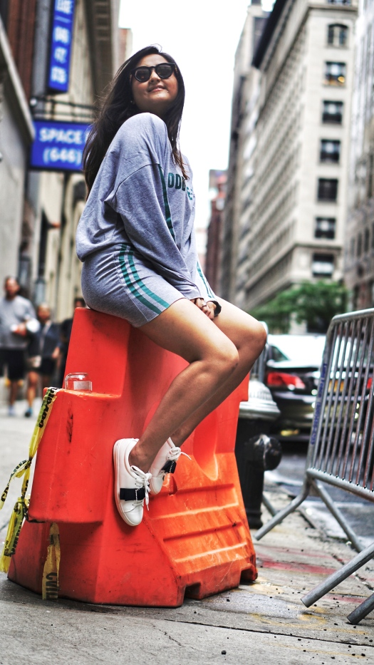 How to Wear Athleisure Trend 6