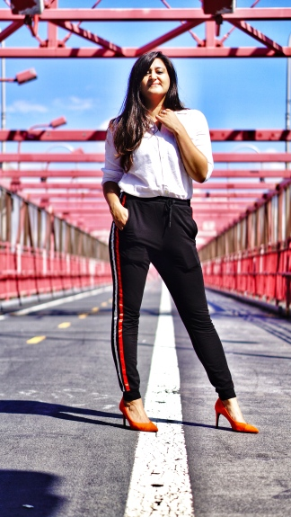 How to Wear Track Pants Outfit 1