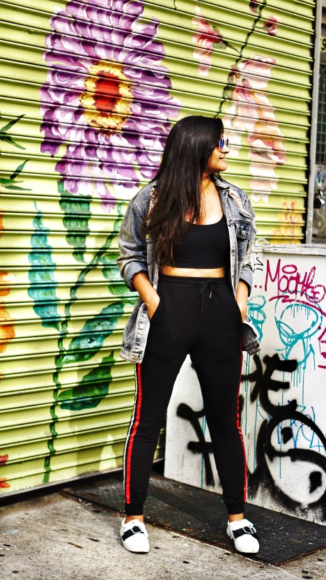 How to Wear Track Pants Outfit 4