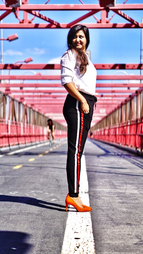 How to Wear Track Pants Outfit 6