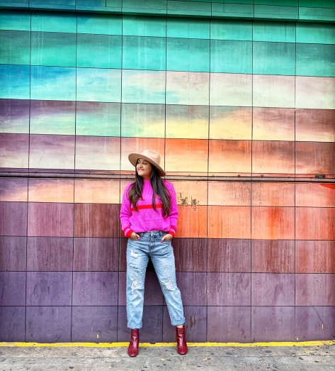 Bright Pink Sweater Outfit 8